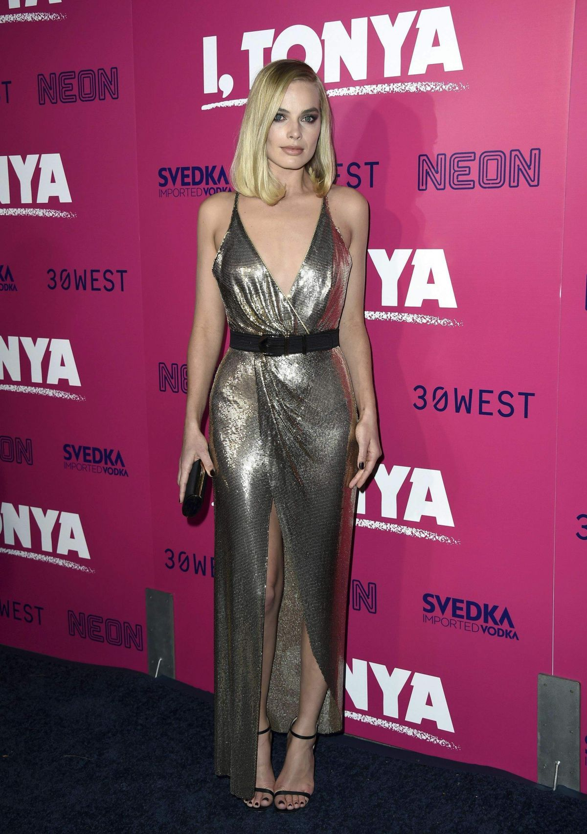 margot-robbie-at-i-tonya-premiere-in-hollywood